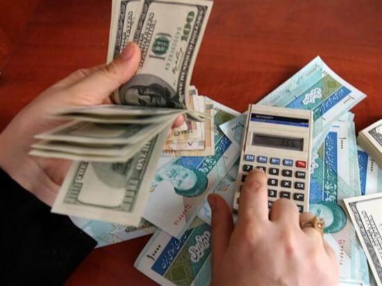 تضعیف پول ملی بر بازار سرمایه اثرگذار است.